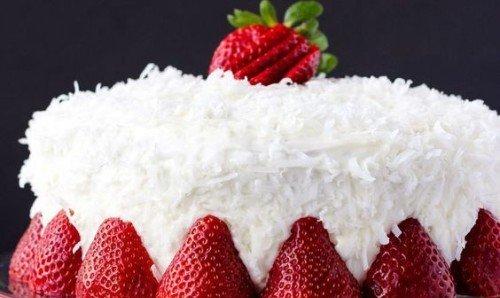 Photo of Torta al cocco senza uova alle fragole