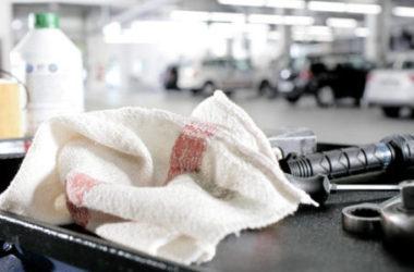 Come togliere l'odore di gasolio o benzina da mani e tessuti