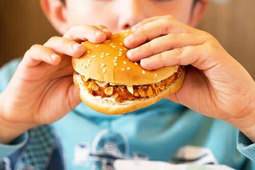 Photo of Junk food o cibo spazzatura: vediamo quali sono i cibi da evitare o almeno da limitare
