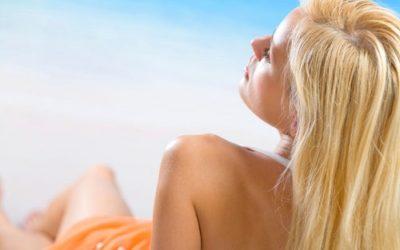 Protezione capelli dal sole con sistemi naturali
