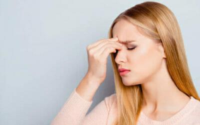 Mal di testa: i vari tipi, le cause e quali rimedi naturali per combatterlo