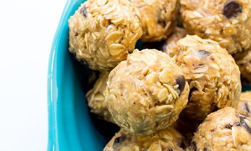 Photo of Un pieno di energia e salute con le energy ball crude e vegane: alcune ricette di queste palline energetiche