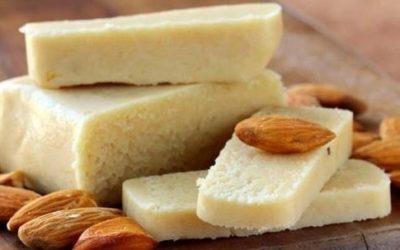Come fare il formaggio di mandorle