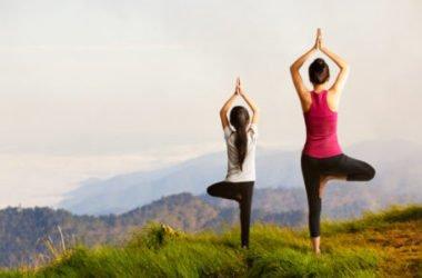 Abbigliamento yoga per affrontare bene la pratica e gli esercizi
