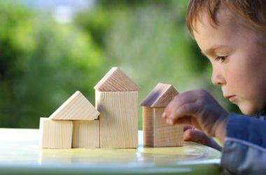 Ecogiocattoli: giocare con le costruzioni in eco-legno