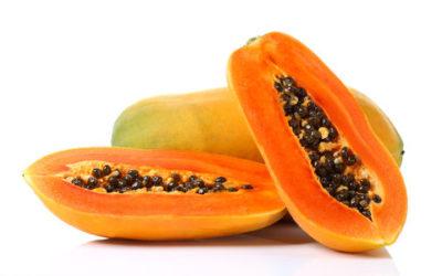 Papaya, benefici e controindicazioni: tutte le proprietà da conoscere