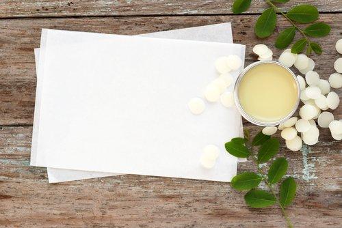 Photo of Come farsi una crema per labbra con ingredienti naturali
