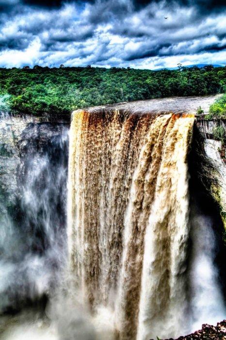 cascate più belle del mondo: cascate Kaietur
