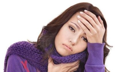 Mononucleosi: cause, sintomi e rimedi naturali