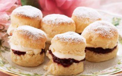 Come preparare gli scones, il tipico dolcetto scozzese, anche in versione veg: due ricette da provare