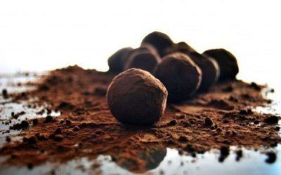 Tartufi al cioccolato: la ricetta classica e al rum