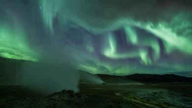 Photo of Islanda: eruzione vulcanica ed aurora boreale…