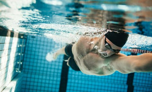 Photo of Nuoto: perché praticarlo e come