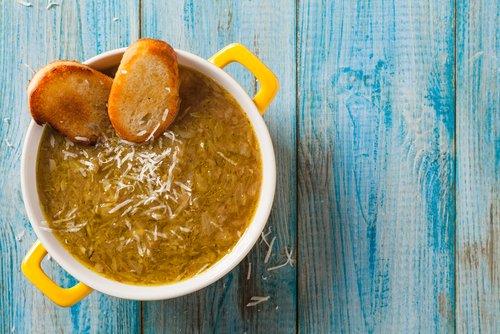 """Photo of Zuppa di cipolle alla francese: """"Soupe à l'oignon"""""""