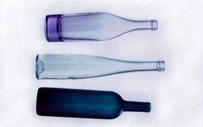 Come riciclare bottiglie di vetro in modo creativo