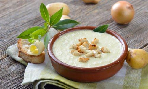 Photo of 3 ricette di zuppa di patate adatte a tutti i gusti e tutte le stagioni: classica, orientale o con patate dolci