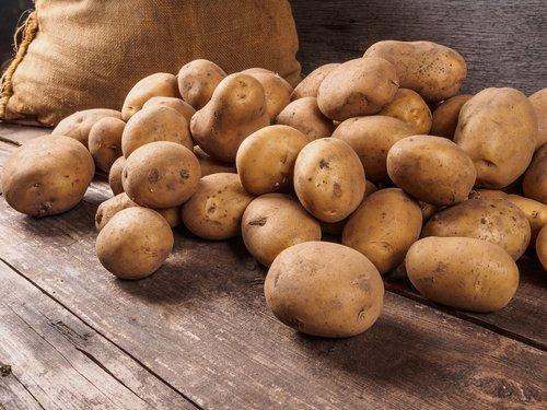 Photo of Tutto sulle patate: proprietà, benefici, ricette e consigli su come conservarle al meglio
