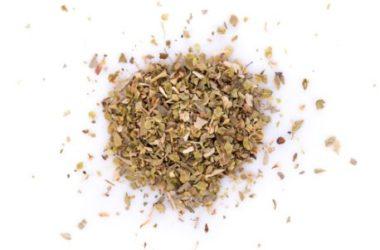 Guida all'origano, una pianta aromatica utilizzata in cucina e in medicina naturale
