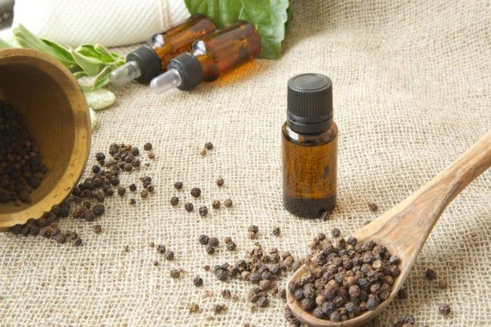 pepe nero olio essenziale