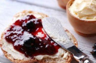 La guida facile per fare la marmellata in casa: tutte le ricette con la frutta di stagione