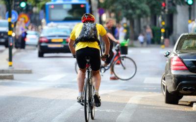 Perché i ciclisti non rispettano i segnali stradali? Problemi e soluzioni