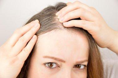 Come nascondere i capelli bianchi con metodi naturali