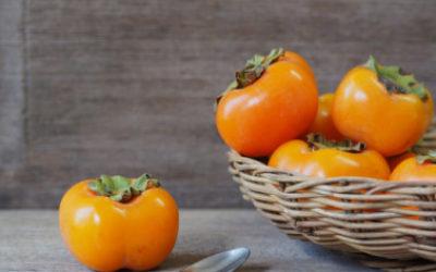Guida ai cachi, scopriamo tutte le proprietà, indicazioni e ricette con questi frutti