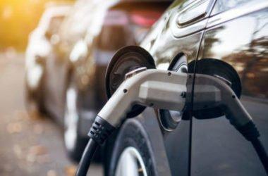 Assicurazioni per auto elettriche: si risparmia davvero?