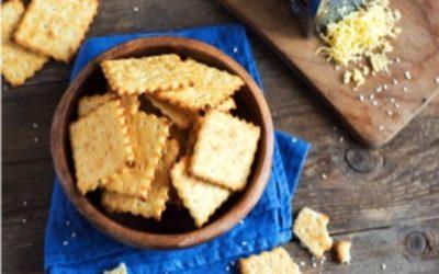 La ricetta dei crackers con pasta madre da fare a casa