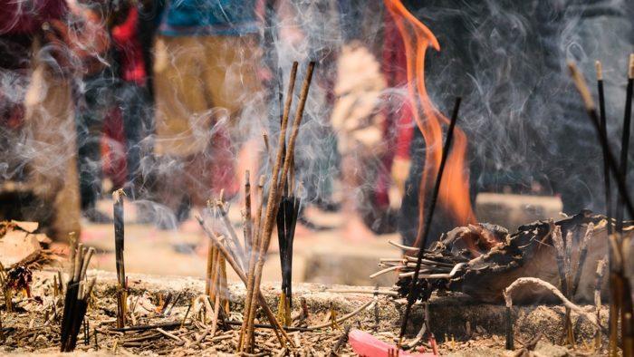incensi un viaggio tra le antiche tradizioni usi effetti benefici e ricette