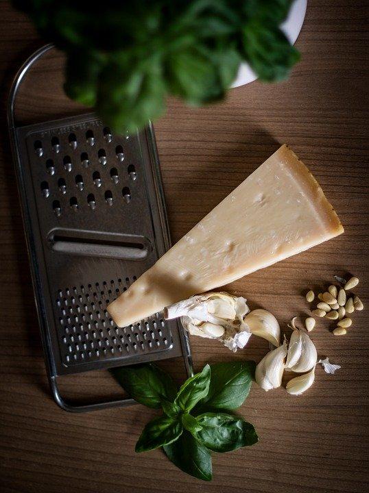 Photo of Pinoli: benefici e ricette in cucina