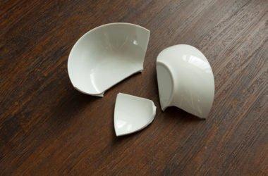 Sai come fare la raccolta differenziata della ceramica correttamente? La guida facile