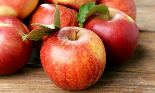 Photo of Cosa contengono le mele e perché sono utili per la salute e la bellezza