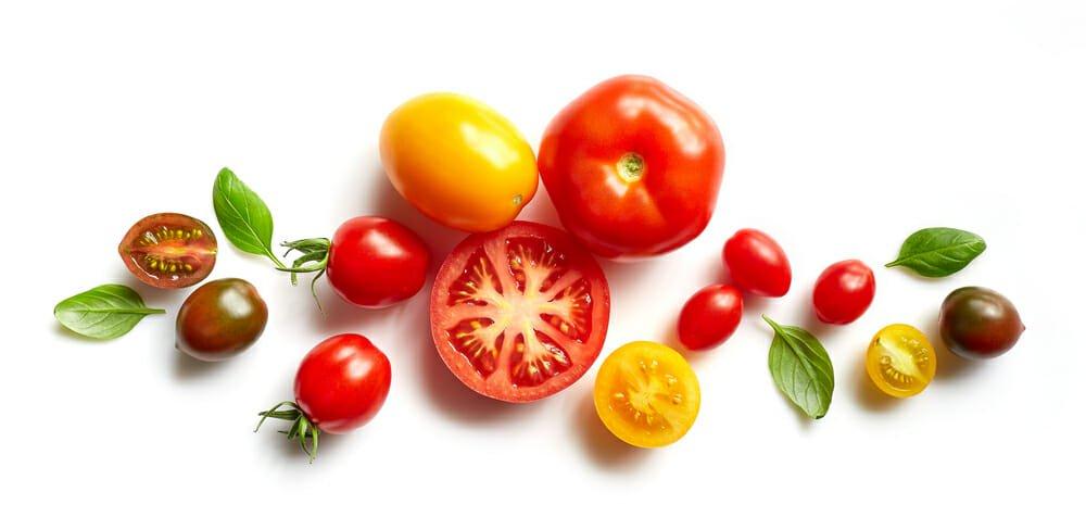 Photo of Pomodoro: ricco di vitamine è il principe della cucina italiana, ma non solo