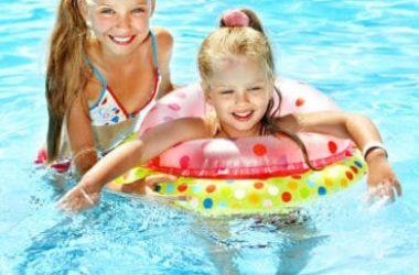 Perché non bisogna fare pipì nella piscina