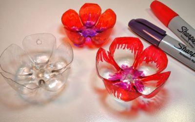 Come fare un fiore di plastica da una bottiglia di acqua