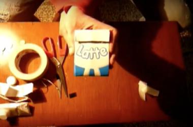 Come fare un portamonete con una confezione di Tetrapak: la video-guida