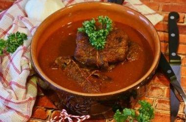 Cuocere nelle pentole in terracotta: metodi e benefici