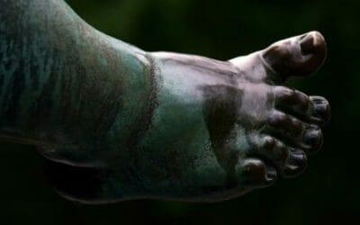 Unghie nere: sintomi, cause e cure naturali