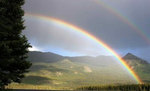 Colori arcobaleno quali sono e significato tuttogreen - Arcobaleno a colori e stampa ...
