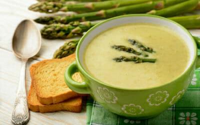 Come preparare la crema di asparagi: la ricetta facile