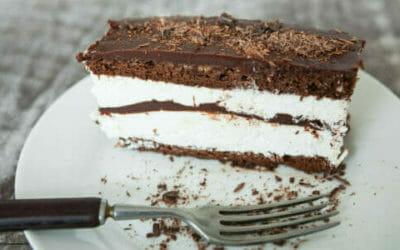 Torta Kinder Pingui: la ricetta classica e quella senza uova né burro