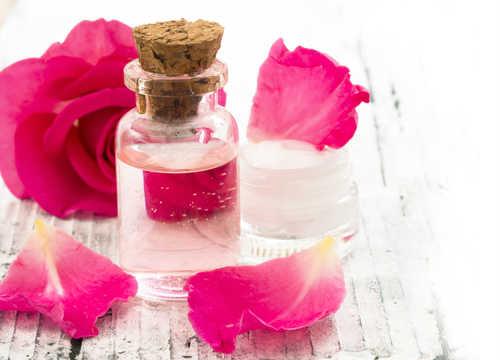 Photo of Maschere e creme per la cura del viso a base di petali di rosa