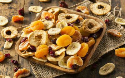 Scopriamo i benefici della frutta secca e una ricetta per prepararla in casa