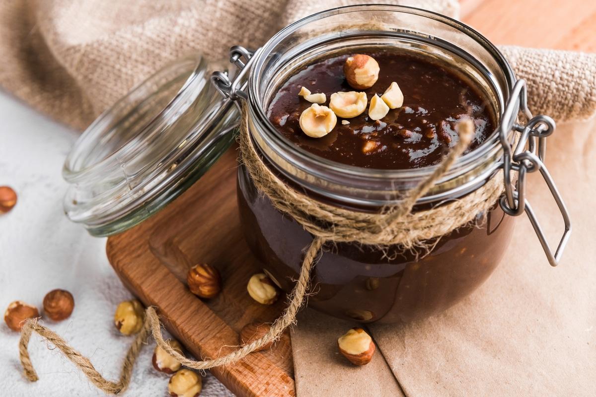 Ricetta Nutella Senza Nocciole.Nutella Fatta In Casa Ricetta Facile E Senza Olio Di Palma