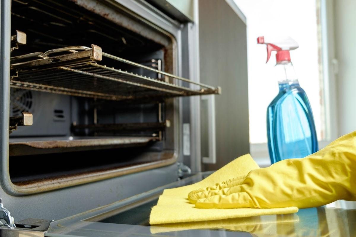 Miscela Per Pulire Il Forno come pulire il forno senza detersivi: tanti consigli per una