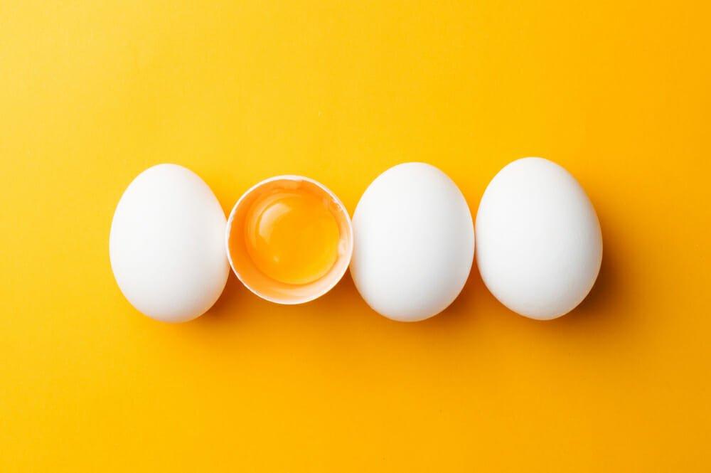 Photo of Tuorlo, le proprietà nutrizionali, gli utilizzi e le ricette della parte gialla delle uova