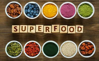 Ecco i veri 10 super alimenti naturali. Occhio invece ai superfood consigliati dall'esperto, che è pagato