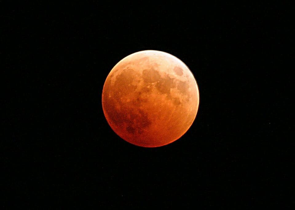 Photo of Luna piena: tutto su questo spettacolo della natura che suggestiona da sempre l'umanità
