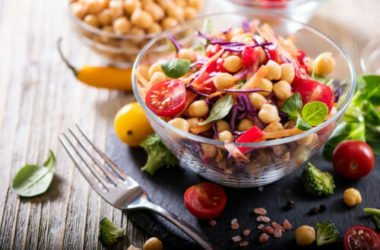 Quali sono gli alimenti vegani e quali sono i cibi indispensabili per una dieta ricca e completa